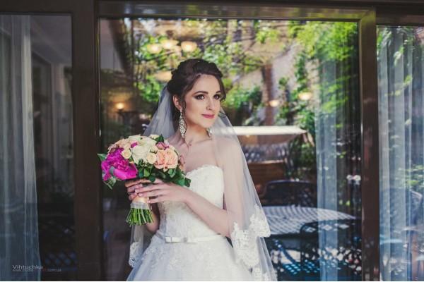 Очаровательная невеста Аня